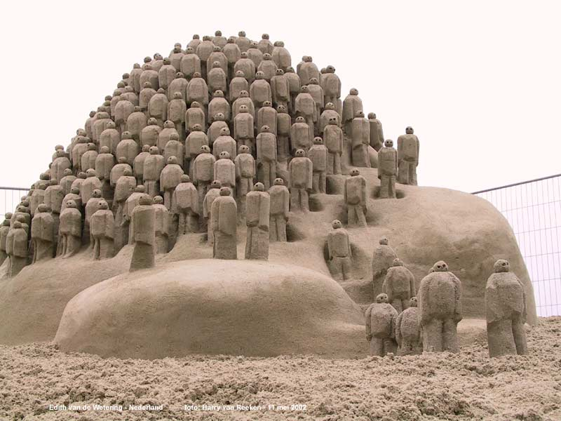 http://orgprepdaily.files.wordpress.com/2007/02/sand_sculpture.jpg